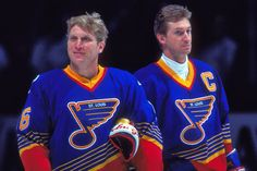 Bret Hull & Wayne Gretzky Hockey Games, Ice Hockey, Wayne Gretzky, St Louis Blues, Go Blue, National Hockey League, St Louis Cardinals, Detroit Red Wings, World Of Sports