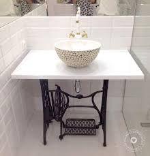 Znalezione obrazy dla zapytania maszyna do szycia łazienka
