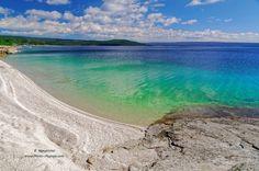 Une-belle-plage-de-sable-blanc-au-bord-du-lac-de-Yellowstone.jpg Cliquer sur…