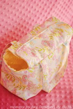 Dolly diaper bag tutorial. It would be easy to add pockets to this as well.
