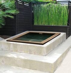 Simple raised hot tub or small pool. Great DIY project! Get more info at: www.custombuiltspas.com