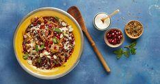 Geröstete Zwiebeln und die Gewürzmischung Ras al-Hanout geben Mujadara, einem traditionellen arabischen Linsengericht mit Reis, den besonderen Geschmack. Ethnic Recipes, Food, Peppermint, Stew, Rice, Easy Meals, Food Food, Essen, Eten
