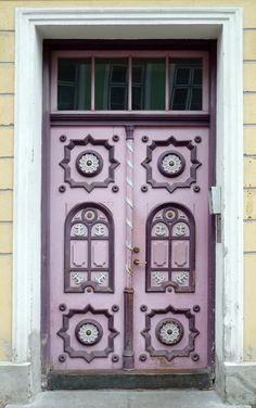 Door in Tallinn, Estonia. Our tips for things to do in Tallinn: http://www.europealacarte.co.uk/blog/2011/08/02/tallinn-guide/
