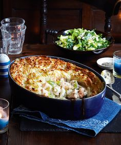 This seriously satisfying ocean pie from Slimming World is not only super healthy but great for all the family, too! Have a go at this easy recipe. Slimming World Fish Pie, Slimming World Dinners, Slimming World Recipes Syn Free, Slimming Eats, Salmon Recipes, Seafood Recipes, New Recipes, Shellfish Recipes, Family Recipes