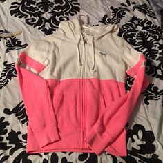 Victoria secret pink zip up Pre owned kept in excellent condition PINK Victoria's Secret Sweaters