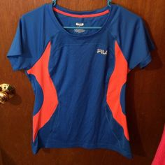FILA short sleeve work out top! Cute workout top in good condition Fila Tops Tees - Short Sleeve