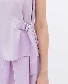 Top z boczną sprzączką - Zara, 169zł http://www.zara.com/pl/pl/kobieta/koszule/top-z-boczn%C4%85-sprz%C4%85czk%C4%85-c358004p1794523.html