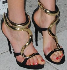 Taylor Schilling Fails in Giuseppe Zanotti Suede & Lacquered Metal Sandals