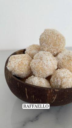 Coconut Flour Recipes, Vegetarian Recipes, Healthy Recipes, Girl Scout Cookies, Italian Desserts, Cake Batter, Muffin, Dessert Recipes, Meals