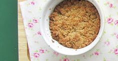 Crumble de marmelo, maçã, aveia e amêndoa | SAPO Lifestyle