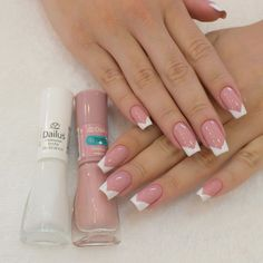 Simple nails design can be beautiful and fashionable. In the pictures below, we collected simple manicure designs. You will find that simple color French Manicure Acrylic Nails, Best Acrylic Nails, Acrylic Nail Designs, Manicure And Pedicure, Gel Nail Art, Work Nails, Aycrlic Nails, Glam Nails, Hair And Nails