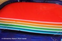 Rainbow Jello Recipe & Instructions - Must Have Mom Jello Recipes, Gourmet Recipes, Gelatin Recipes, Sweet And Sour Pork Chops, Jello Deserts, Rainbow Jello, Layered Jello, Jello Cups, Food Cakes