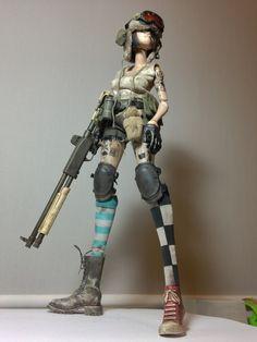 • toys Tank Girl Mcbess Ashley Wood 3A ThreeA kitbash designer toys superisland •