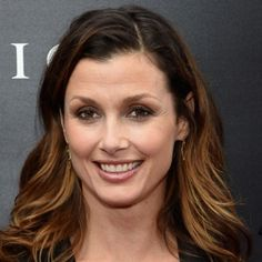 Bridget Moynahan at an event for John Wick How To Feel Beautiful, Beautiful Women, Before Bed Workout, Bridget Moynahan, Dowager Countess, Female Hero, New York, Blue Bloods, Celebs