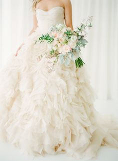 Get your pinning fingers poised! This wedding is SO amazingly gorgeous! Starting with this Monique Lhuillier wedding gown. See the wedding on SMP here: www. Photography by the one and only KT Merry Stunning Wedding Dresses, Beautiful Dresses, Glamorous Wedding, Gorgeous Dress, Trendy Wedding, Elegant Wedding, Bridal Gowns, Wedding Gowns, Monique Lhuillier Wedding Dresses