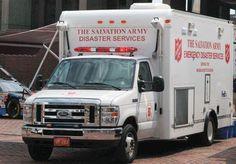 15.04.2013: Wir sind in Gedanken und im Gebet bei den Betroffenen der schrecklichen und sinnlosen Anschläge in Boston. Unsere Kameraden von der Heilsarmee in den USA waren kurze Zeit nach den Explosionen mit mobilen Einsatzfahrzeugen und Notfallseelsorgern vor Ort.