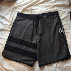 Hurley bathing hit perfect condition Perfect for a boyfriend or a son Hurley bathingsuit is light and great quality size 32 waist Hurley Swim