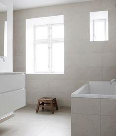 Copenhagen Townhouse I by Norm. Next Bathroom, Stone Bathroom, Beige Bathroom, Bathroom Interior, Modern Bathroom, Small Bathroom, Bad Inspiration, Bathroom Inspiration, Floor Finishes