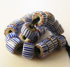 ANTIQUE TRADE BEADS 25 blue Venetian striped chevron beads