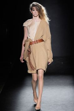 A.F. Vandevorst Spring 2010 Ready-to-Wear Collection Photos - Vogue