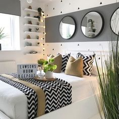 bedroom decor for small rooms & bedroom decor . bedroom decor for couples . bedroom decor ideas for women . bedroom decor for small rooms . bedroom decor ideas for couples Small Room Bedroom, Room Ideas Bedroom, Home Bedroom, Master Bedrooms, Bedroom Ideas For Small Rooms, 1920s Bedroom, Spare Room Decor, Teen Bedroom Colors, White Bedroom Decor