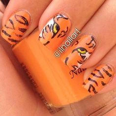 Rawr!  @ilnailart has done a great remake of a tiger mani I did a while back. Go check her page out, she's really talented  Tag #npfeaturesunday when you do nail art inspired by us for a chance to be featured! /Hanna