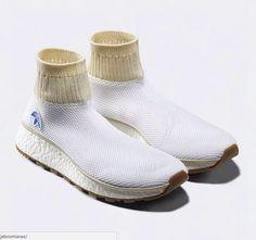 Tasarım ve göz zevki sınırlarını sonuna kadar zorlayan bu ayakkabı.