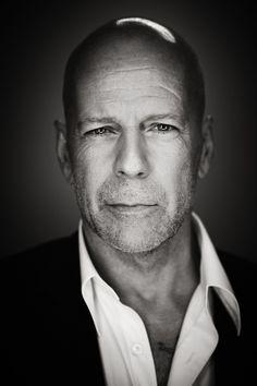 Bruce Willis. Those eyes....