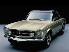 1963 Mercedes-Benz 230 SL Pagoda