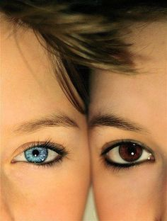 Get close up. | 37 Impossibly Fun Best Friend Photography Ideas @Elisa Bieg Bieg Christiana dude this almost looks like our eyes too!! Mine have horrible eyeliner though :P