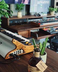 Music Studio Room, Studio Setup, Studio Ideas, Art Studios, Music Studios, Music Production, Production Studio, Music Courses, Elementary Music Lessons
