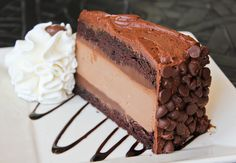 The way to mom's ❤...Cheesecake Factory yum!