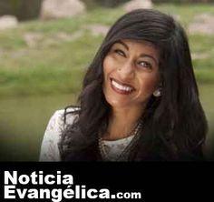 """""""El amor de Dios hizo que me rindiera"""", dice ex musulmana convertida al cristianismo"""