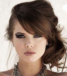 Una combinación de maquillaje y peinado dan como resultado una chica súper sensual missxv.grupopalacio.com.mx