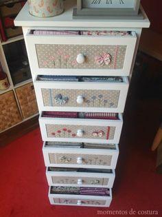 Cutest fabric storage cabinet!  Momentos de Costura: aplicaciones