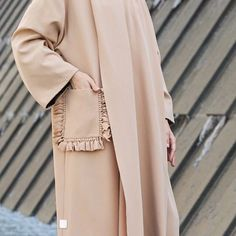 Close up to details ✨ Abaya Fashion, Muslim Fashion, Modest Fashion, Fashion Outfits, Girl Fashion, Modern Abaya, Love Couture, Outfit Look, Abaya Designs