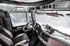 If some of you remember, back in autumn 2013 we showed you a Mercedes-Benz Zetros 1833 that had had its interior lavishly upgraded by some of the best interior experts in the aftermarket industry. Mercedes Truck, Mercedes Benz, 4x4, Truck Interior, Expedition Vehicle, New Trucks, Concept Cars, Tractors, Camper