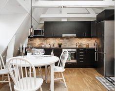 Gravity home, Source: Alvhem Mäkleri Kitchen Dining, Kitchen Decor, Dining Room, Gravity Home, Scandinavian Interior Design, Cuisines Design, Interior Exterior, My Dream Home, Kitchenware