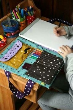 I want to make this! Except with the notebook on the other side because I'm left…