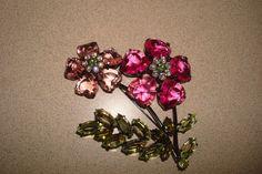 RARE Avon 2003 Bold Spring Color Flower Lucite Crystal Brooch