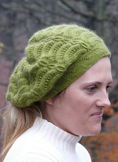 This has been in my queue for a long time! Ravelry: Lórien pattern by Ann Kingstone Knitting Projects, Knitting Patterns, Hat Patterns, Knitting Ideas, Provisional Cast On, Knitted Hats, Crochet Hats, Baby Alpaca, Scrapbook Supplies
