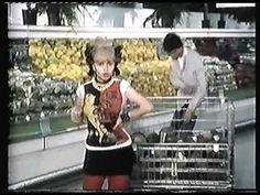 Alaska y los Pegamoides - Horror en el hipermercado (videoclip 1980) - YouTube