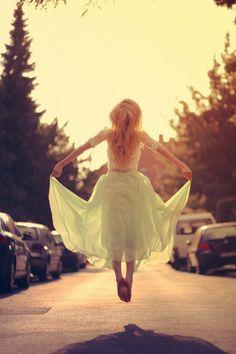 fairytale, photography, dress, lace, blonde, fairy, photoshop, odernichtoderdoch, lichtpoesie, joana, tree, forest, wedding, bride, bohemian, girl, hippie, summer, light, sun, happy, feeling, soft, sun, jump, backlight, fly, golden hour