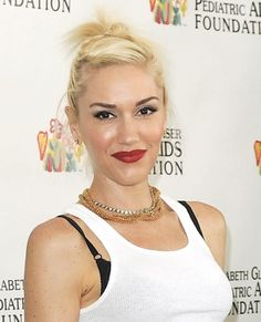 Gwen Stefanis twisted topknot hairstyle