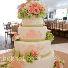 coral and green weddings! That's the colors I want! Coral and green. Has to be a soft coral not to orange :) Coral Wedding Cakes, Wedding Cake Fresh Flowers, Fresh Flower Cake, Elegant Wedding Cakes, Flower Cakes, Coral Cake, Wedding Wows, Cake Flowers, Wedding Prep