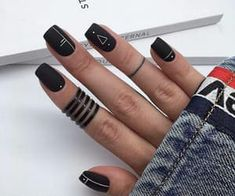 Have you heard of the idea of minimalist nail art designs? These nail designs are simple and beautiful. You need to make an art on your finger, whether it's simple or fancy nail art, it looks good. Of course, you may have seen many simple and beaut Matte Black Nails, Black Nail Art, Dark Nails, Gel Nails, Toenails, Matte Nail Polish, Acrylic Nails Natural, Cute Acrylic Nails, Black Nail Designs