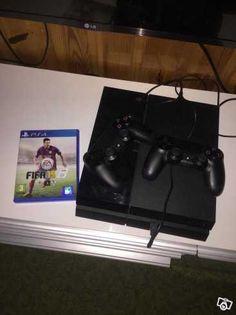 Hej. Säljer mitt PS4 pga att jag inte spelar. Du får två handlontroller och ett FIFA 15. Det är knappt använt och i fint skick.