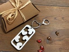 Valentine's day decoration Keychains cascade of hearts Girlfriend Gift keychain woman Hearts cardboard gift for her eco friendly gift bag  (10.00 EUR) by bottegadicartone
