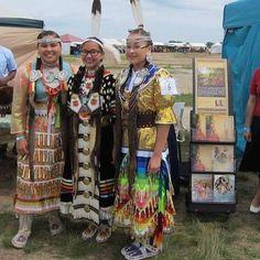 Las buenas nuevas en lenguas Indigenas by Dana