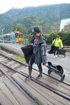 Travoy camping in Taiwan with folding bikes. Burley Trailer, Burley Travoy, Keep Fit, Bike Accessories, Taiwan, Touring, Cycling, Freedom, Action